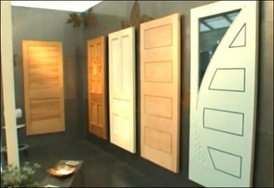 Межкомнатные двери могут иметь остекление прямоугольной или фигурной формы