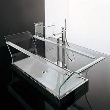 Стеклянная ванна – изящество и практичность